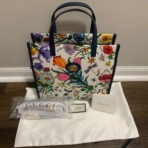 ⛔️SOLD⛔️Gucci Floral Canvas Tote detachable strap